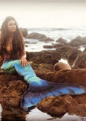 Emmanuelle Chriqui - Project Mermaid Photoshoot Twitpics 2014