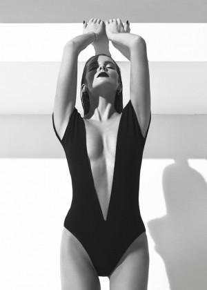 Eniko Mihalik: XOXO Magazine -15