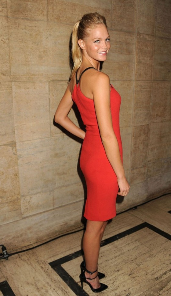 Erin Heatherton – 2012 Gods Love We Deliver Golden Heart Gala-05