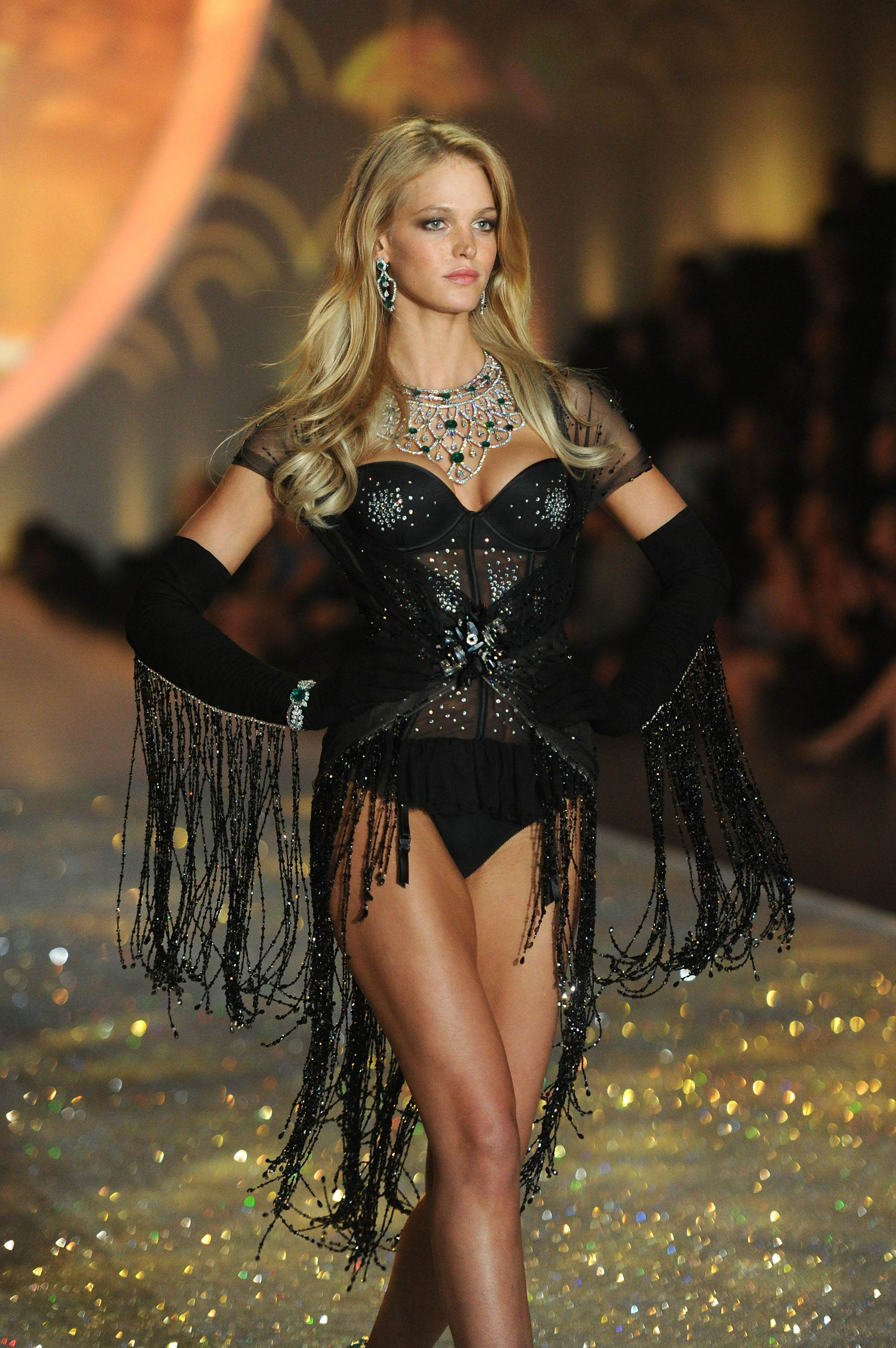 Erin Heatherton Victorias Secret Fashion Show Runway