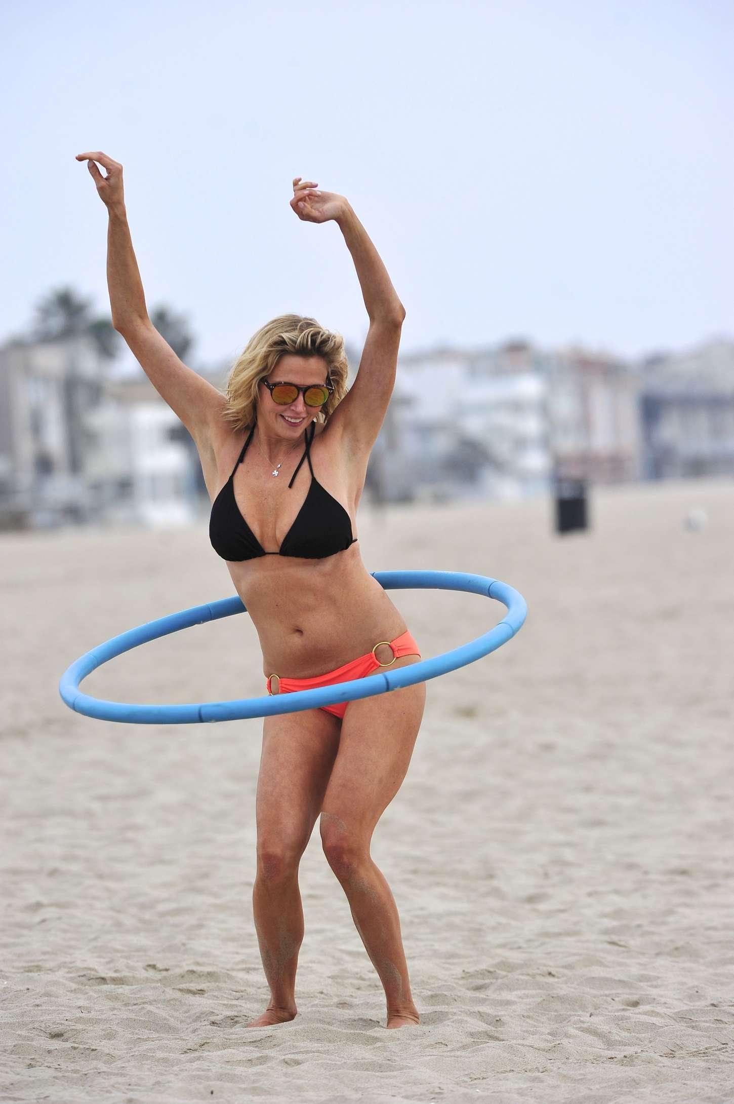 Estella Warren in bikini -08 | GotCeleb