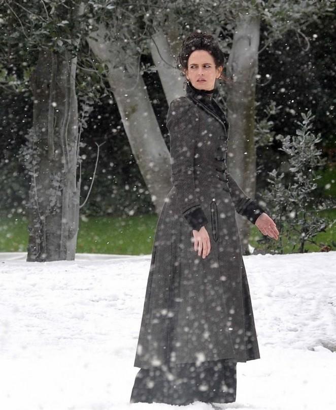 "Eva Green - Filming ""Penny Dreadful"" Movie Set in Dublin"