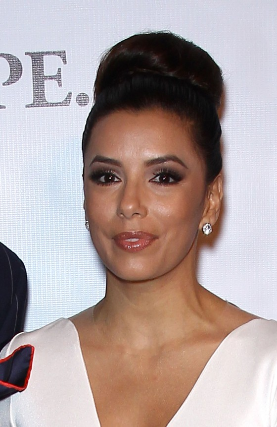 Eva Longoria – Hot In Tight White Dress at 2012 Padres Contra El Cancer Gala-08