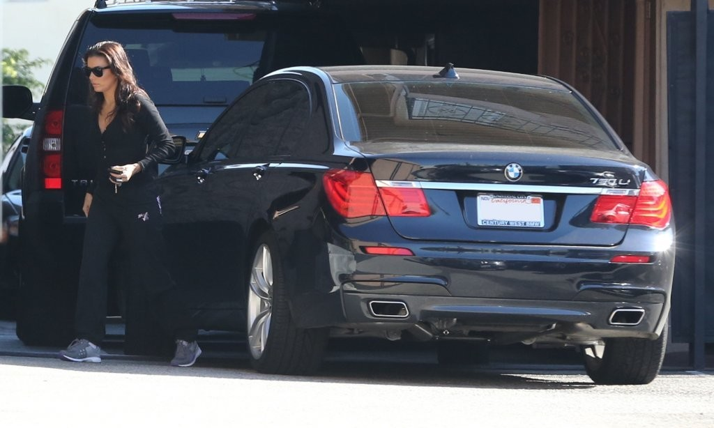 Eva Longoria 2013 : Eva Longoria – Behind Obama – heads to work in LA-10