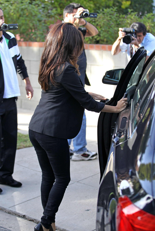 Eva Longoria Leaving Ken Paves Salon 02 Gotceleb