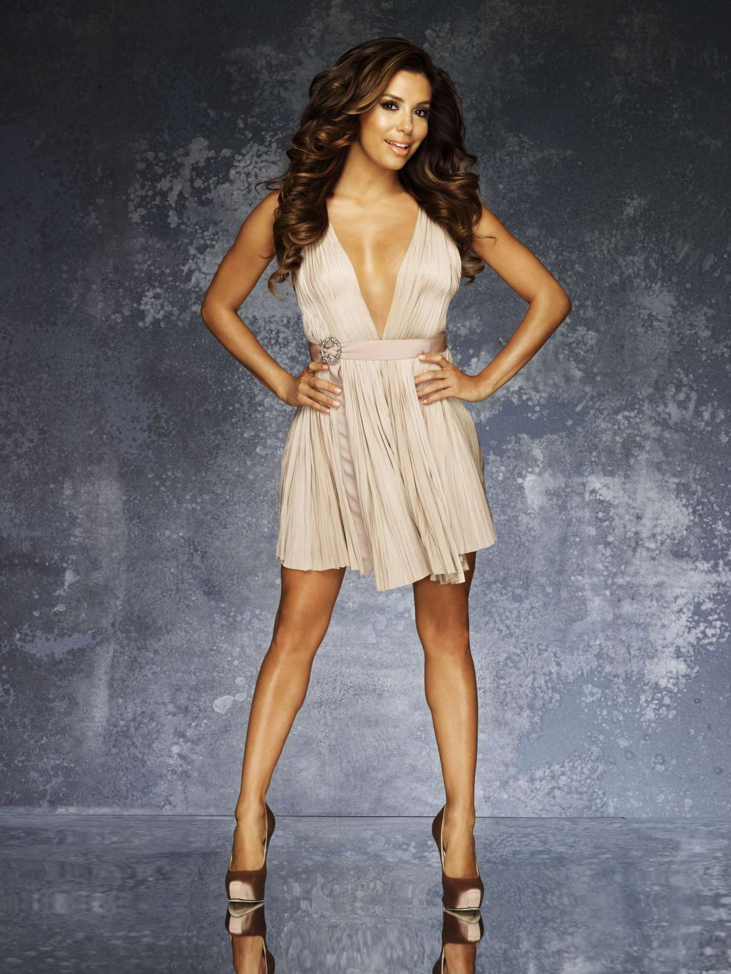 Eva Longoria Diet Plan and Workout Routine