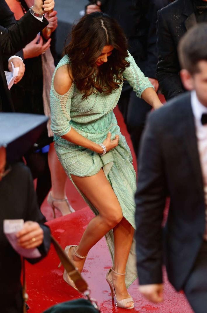 Eva Longoria Wardrobe Malfunction 2013