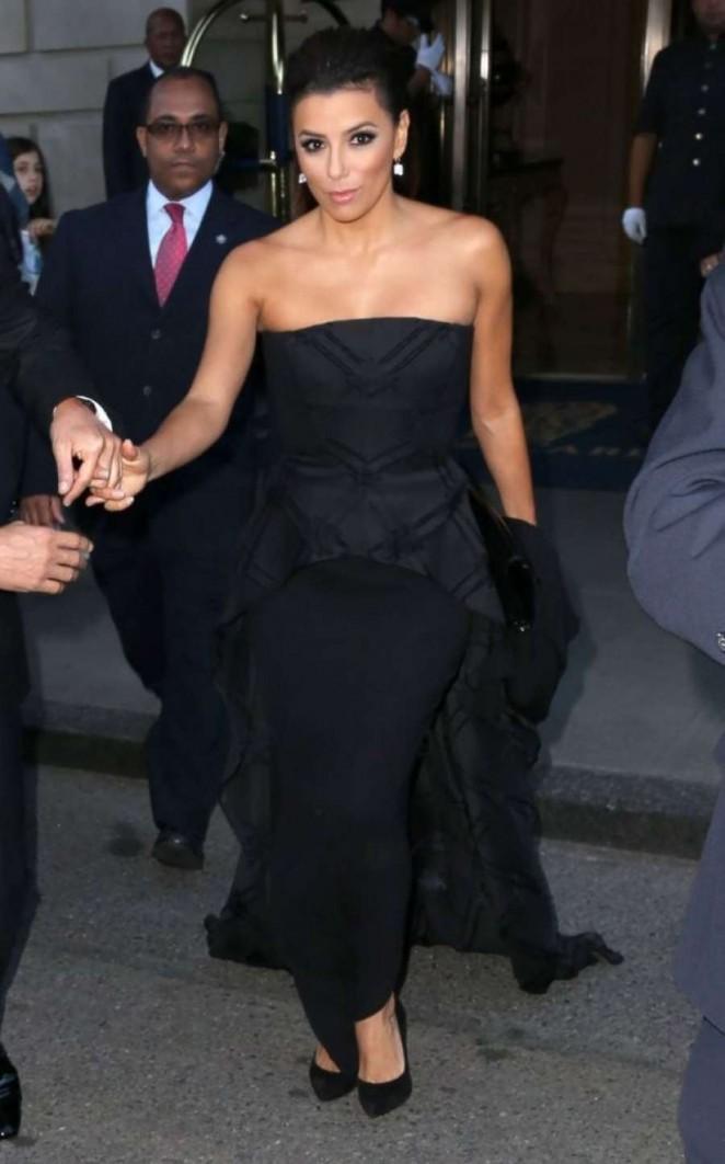 Eva Longoria – Leaving her hotel in New York City