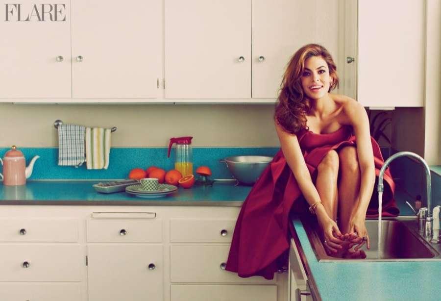 Eva-Mendes:-Flare-Magazine-2014--02.jpg