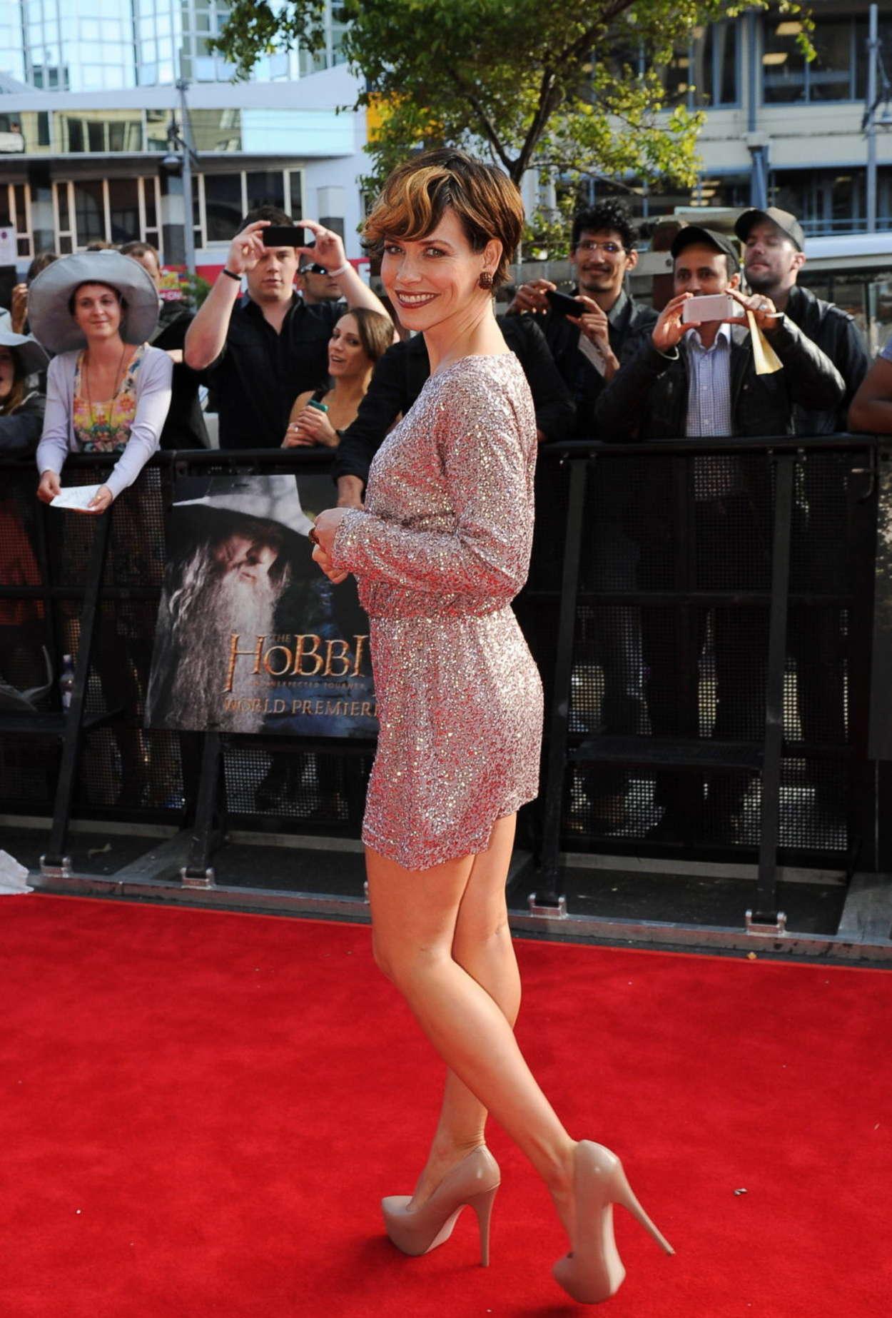Evangeline Lilly Hot In Dress At Hobbit Premiere 03