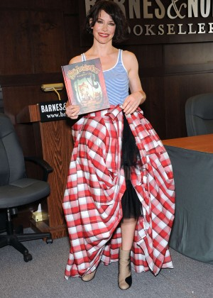 Evangeline Lilly - 'The Squickerwonkers' Book Signing at Barnes & Noble in Los Angeles