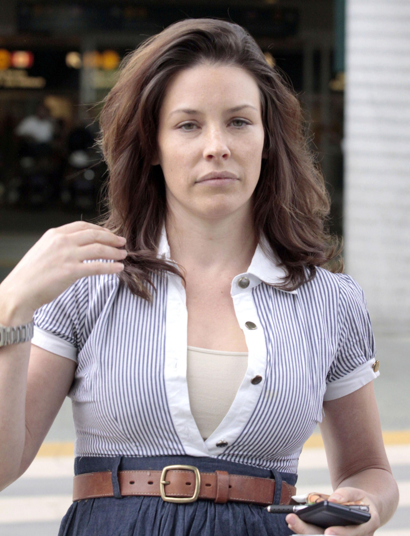 evangeline-lilly-vancouver-international-airport-09 - GotCeleb Anna Kendrick Boyfriend