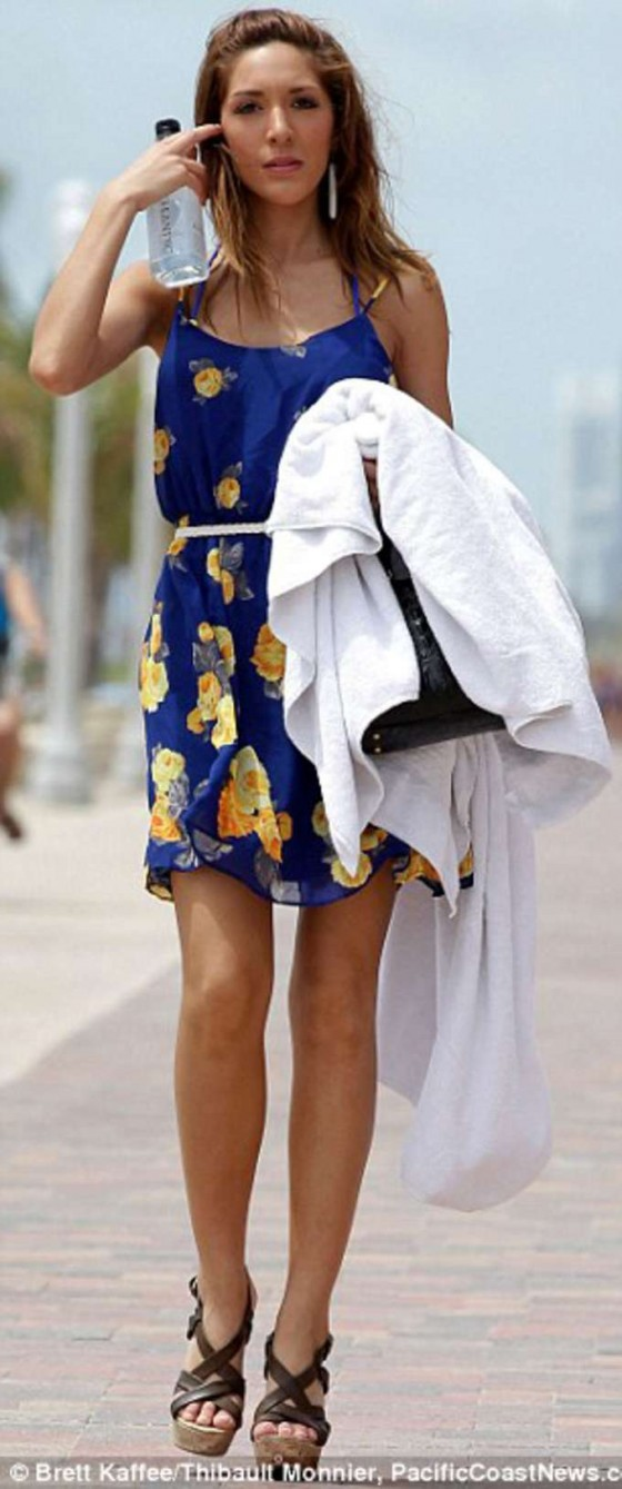 Farrah Abraham - at the beach in a bikini in Miami 09.12