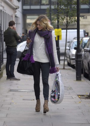 Fearne Cotton in tight jeans -07