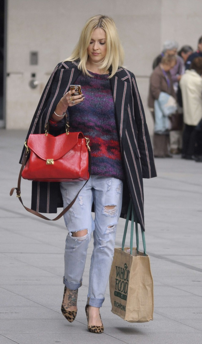Fearne Cotton in Ripped Jeans Out in London