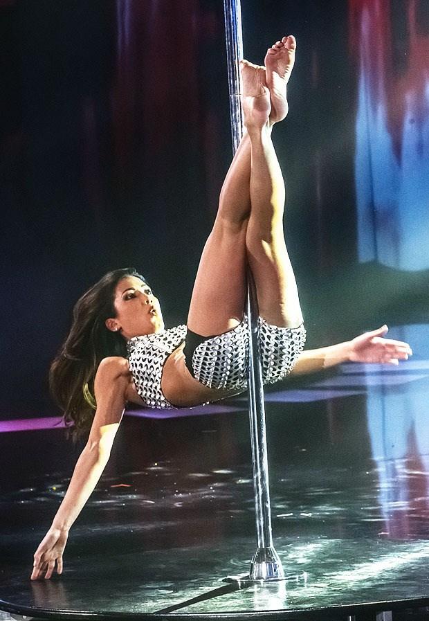 Federica Nargi Pole Dance Competition