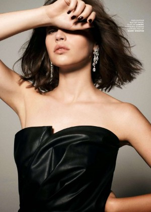 Felicity Jones  Tatler UK Magazine (January 2015)-08