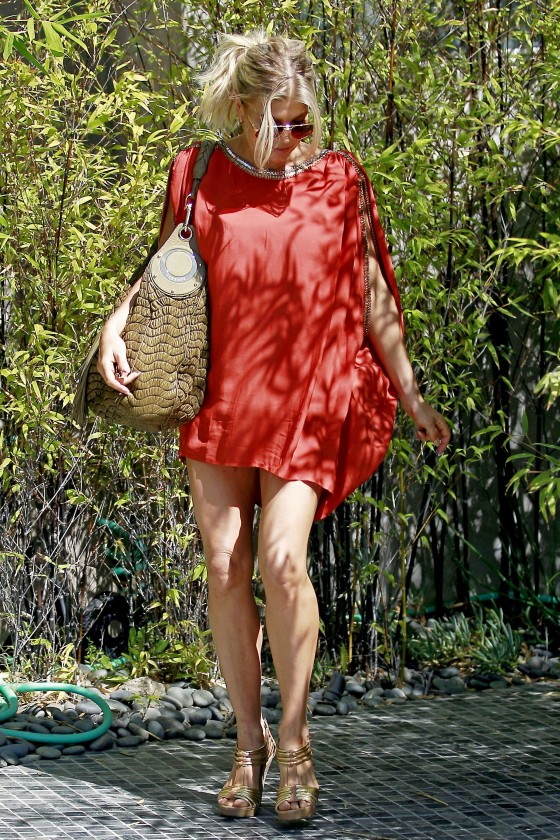 Fergie 2011 : fergie-leggy-candids-in-red-dress-in-la-02
