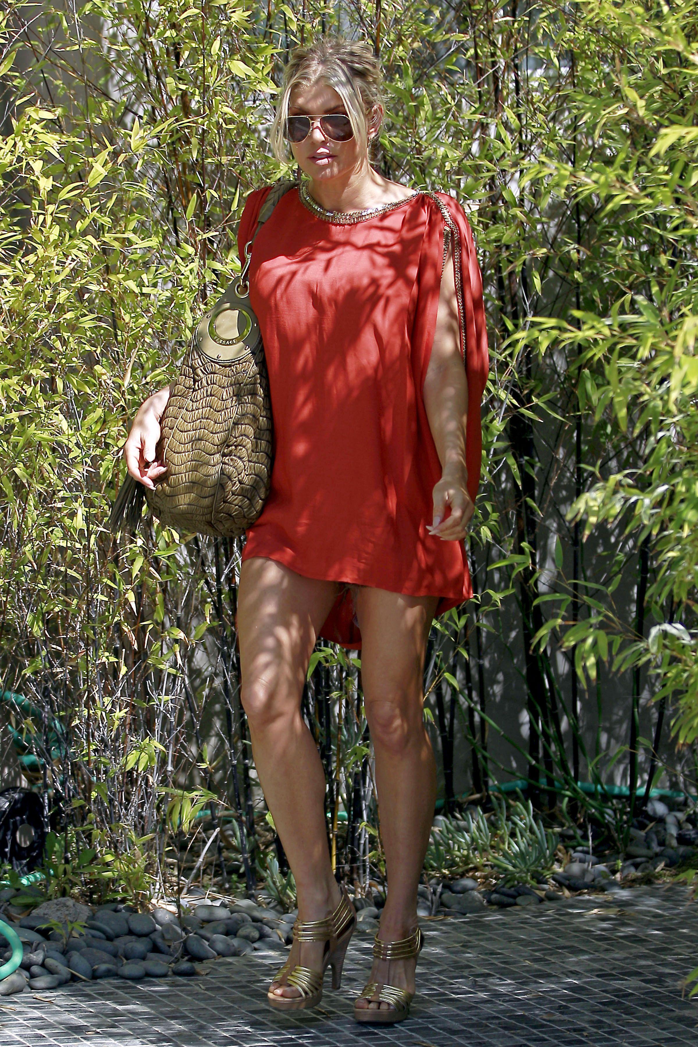 Fergie 2011 : fergie-leggy-candids-in-red-dress-in-la-03