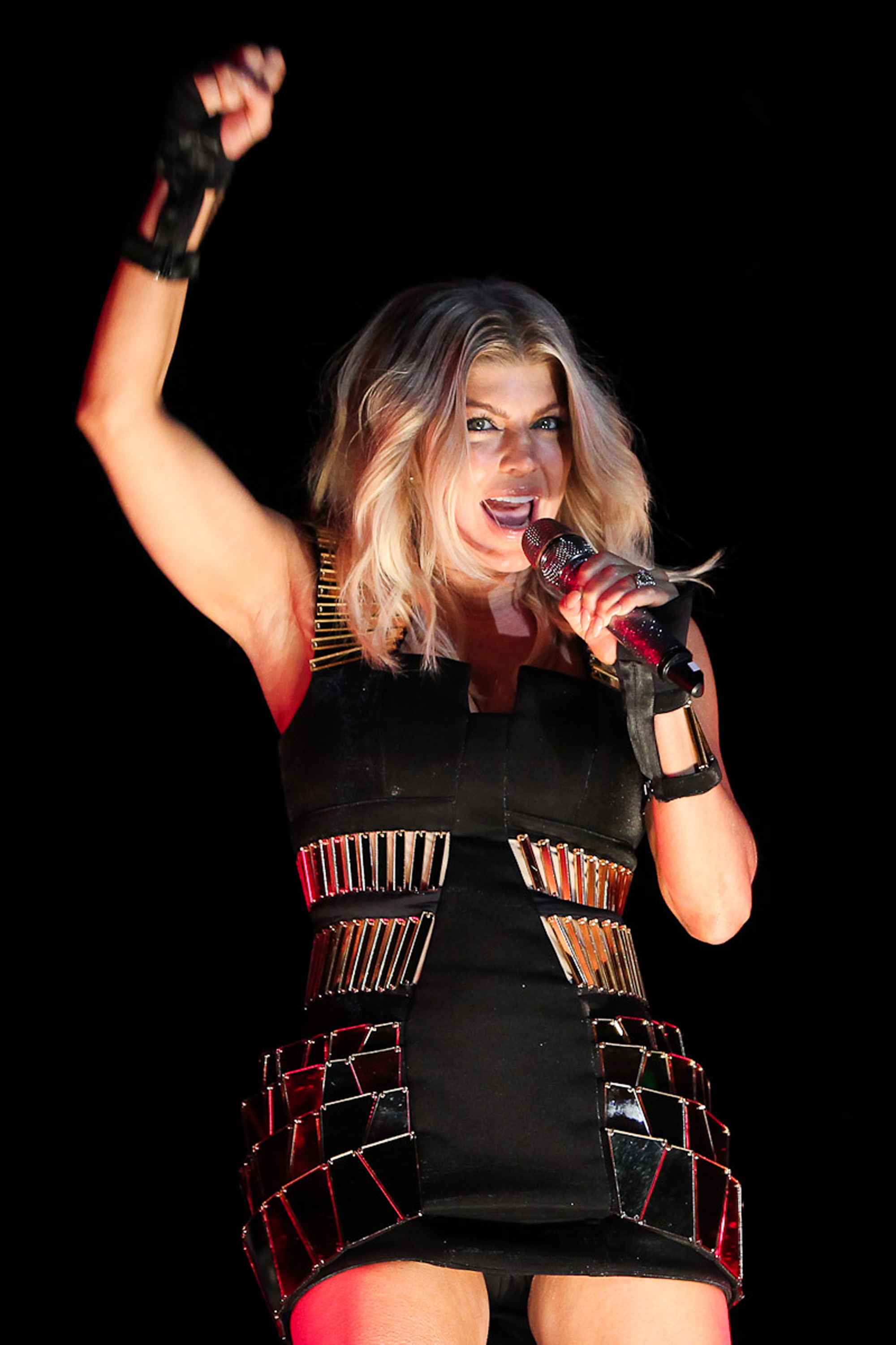 Fergie performs in Sao Paulo-06