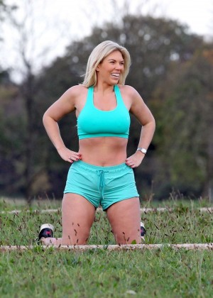 Frankie Essex in Shorts and Sports Bra Working Out -06