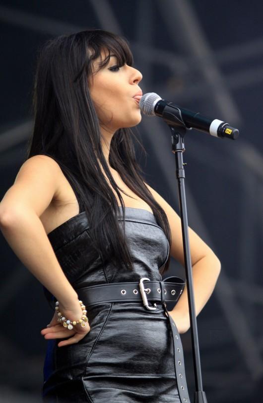 Gabriella Cilmi – Perform In The Park in Leeds