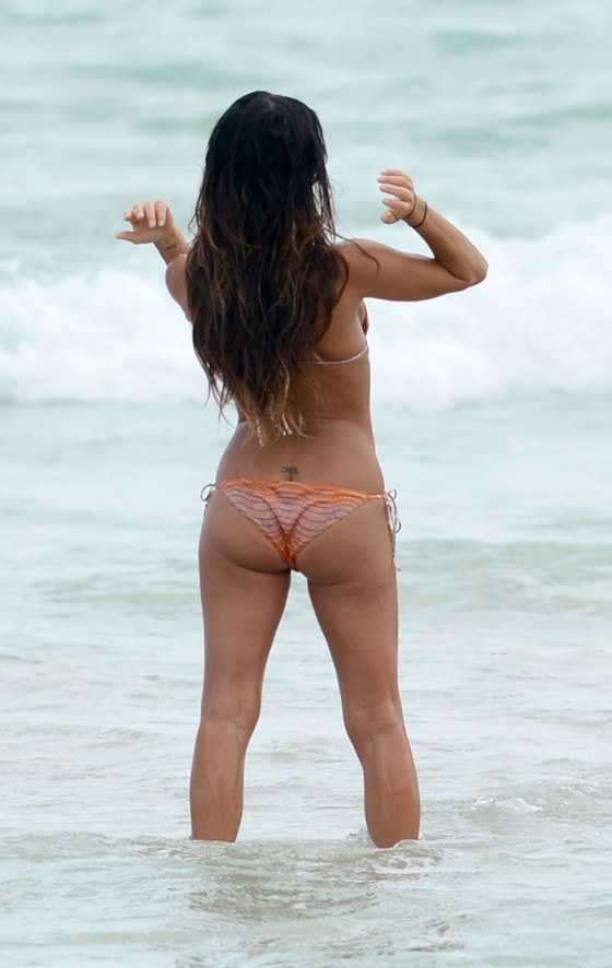 Gabrielle Anwar Shows Off Her Hot Bikini Body In Miami