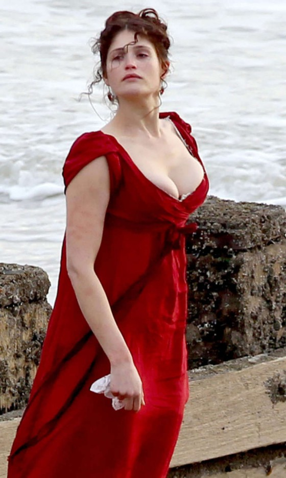 Gemma Arterton Cleavage And Leggy On The Set Of