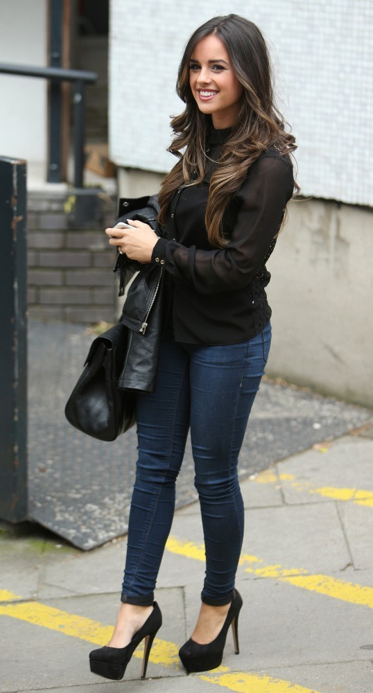 Georgia May Foote In Tight Blue Jeans 04 Gotceleb