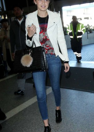 Gigi Hadid and Cody Simpson Arrive at LAX Airport in LA