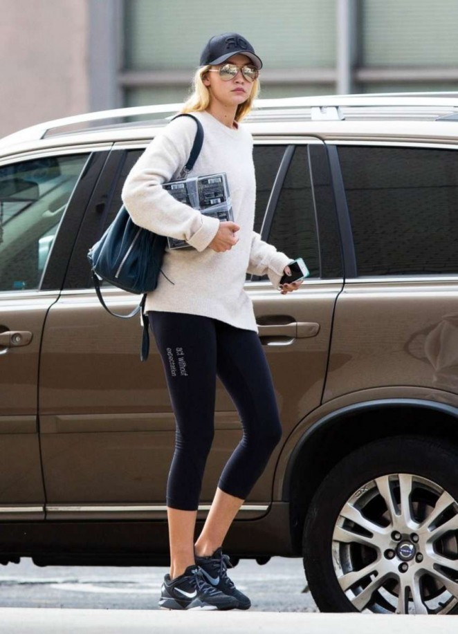 Gigi Hadid in Leggings Going to the gym in NYC