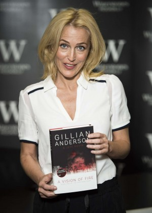 "Gillian Anderson - ""A Vision of Fire"" Book Signing in London"