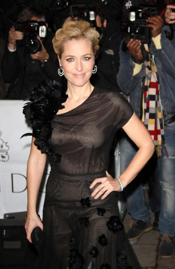 Gillian Anderson – Harper's Bazaar Women of the Year Awards in London