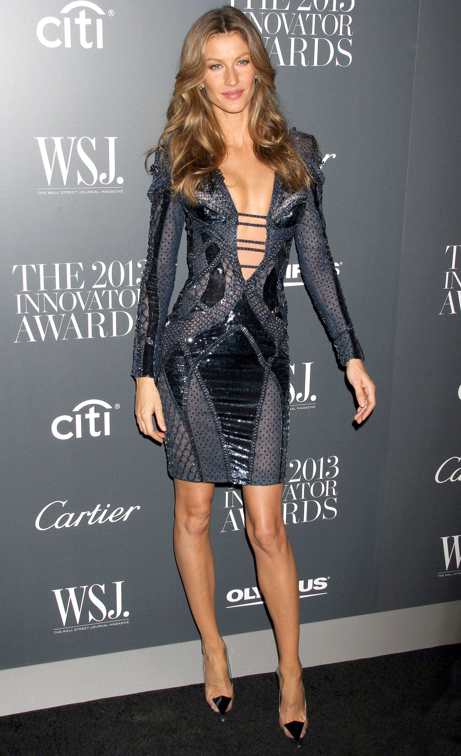 https://www.gotceleb.com/wp-content/uploads/celebrities/gisele-bundchen/2013-innovator-of-the-year-awards-in-new-york/Gisele-Bundchen:-2013-Innovator-of-the-Year-Awards--04.jpg