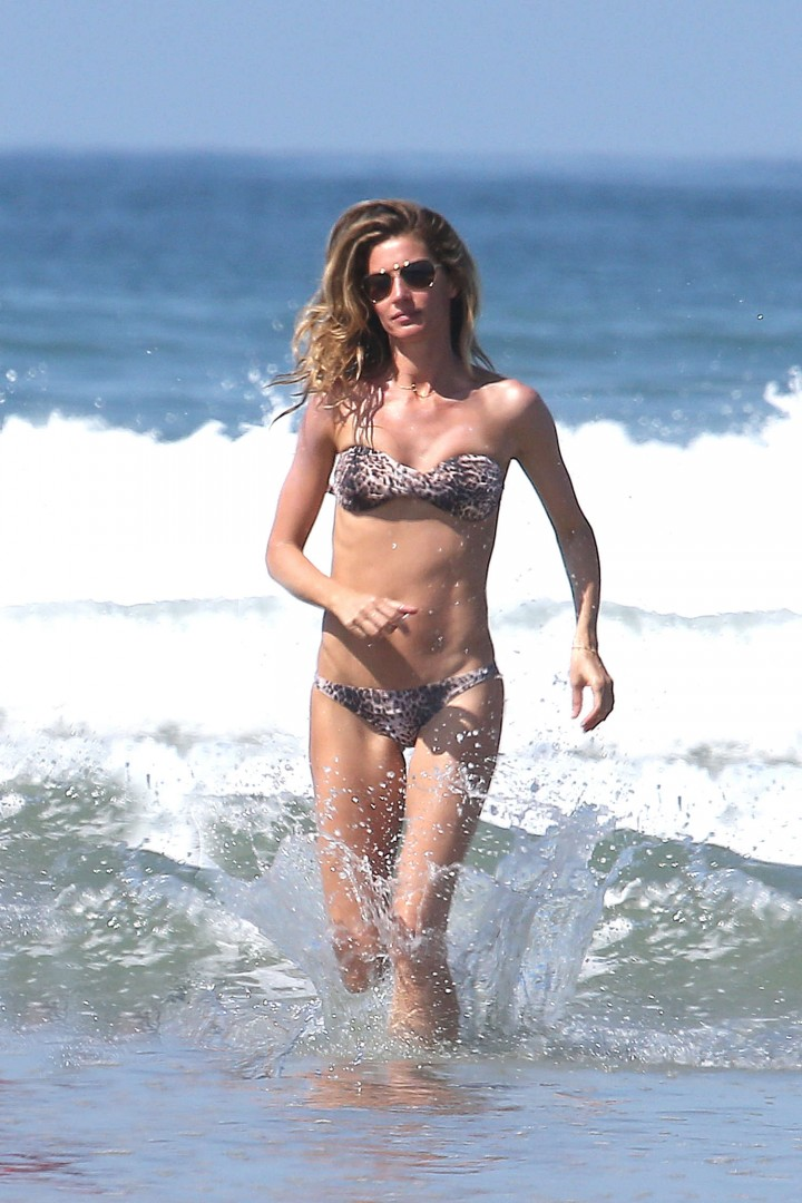 Gisele Bundchen Bikini Photos: 2014 in Costa Rica -01
