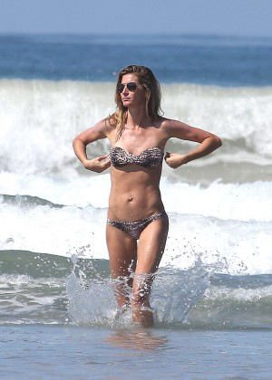 Gisele Bundchen Bikini Photos: 2014 in Costa Rica -06