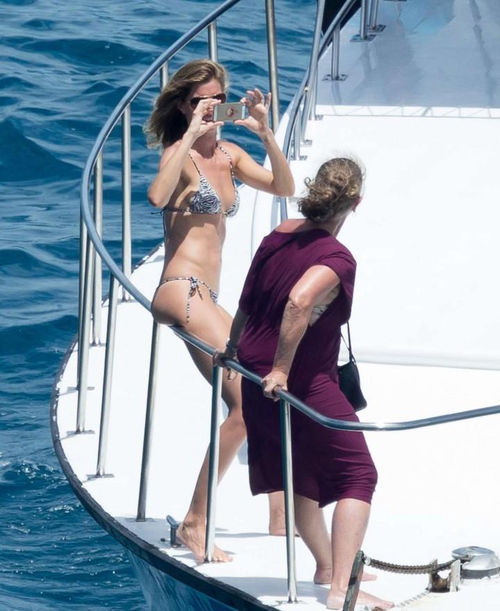 Gisele Bundchen Bikini Photos: 2014 in Brazil -10