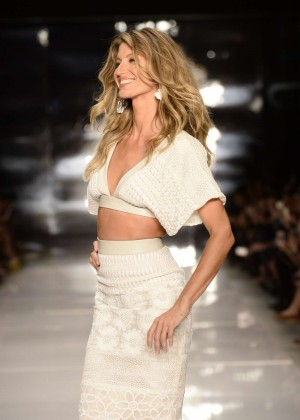 Gisele Bundchen: Catwalk at Colcci Summer 2015 Fashion Show -04