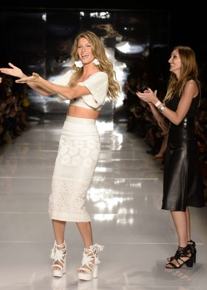 Gisele Bundchen: Catwalk at Colcci Summer 2015 Fashion Show -09
