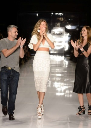 Gisele Bundchen: Catwalk at Colcci Summer 2015 Fashion Show -11