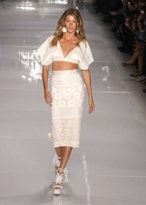 Gisele Bundchen: Catwalk at Colcci Summer 2015 Fashion Show -13
