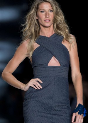 Gisele Bundchen: Catwalk at Colcci Summer 2015 Fashion Show -14