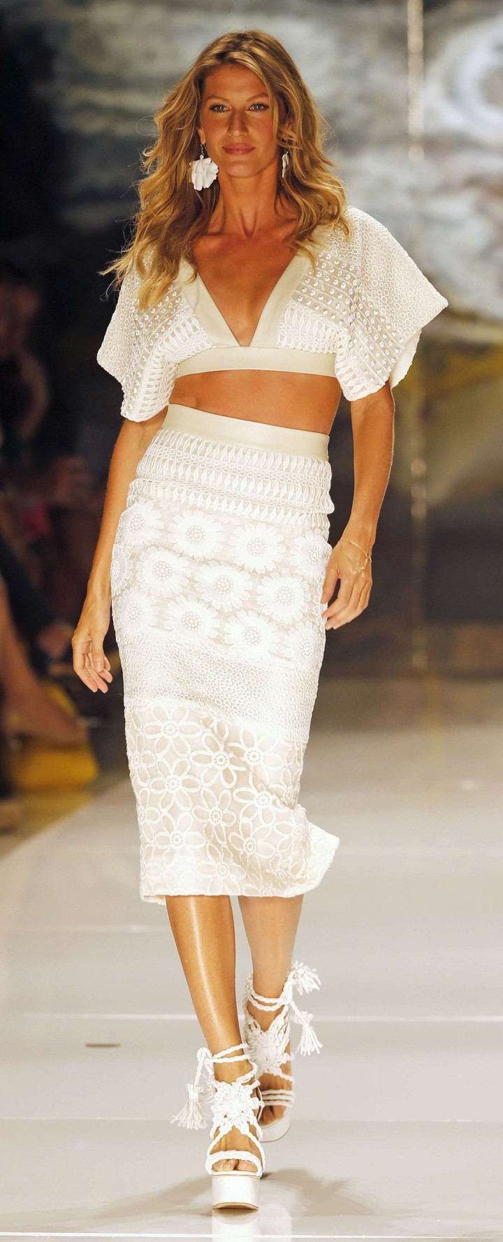 Gisele Bundchen: Catwalk at Colcci Summer 2015 Fashion Show -16