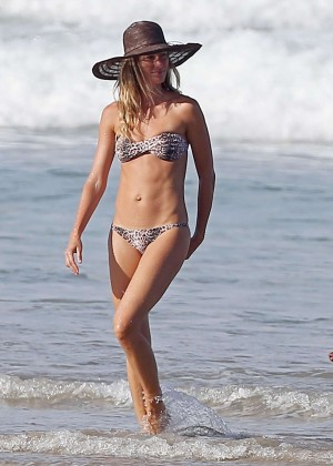 Gisele Bundchen Bikini Photos: in Costa Rica -03