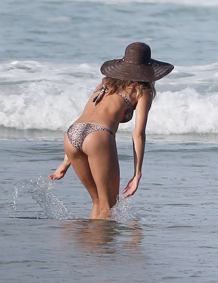 Gisele Bundchen Bikini Photos: in Costa Rica -22
