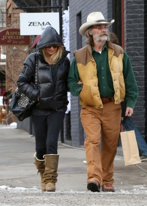 Goldie Hawn at Christmas Shopping in LA