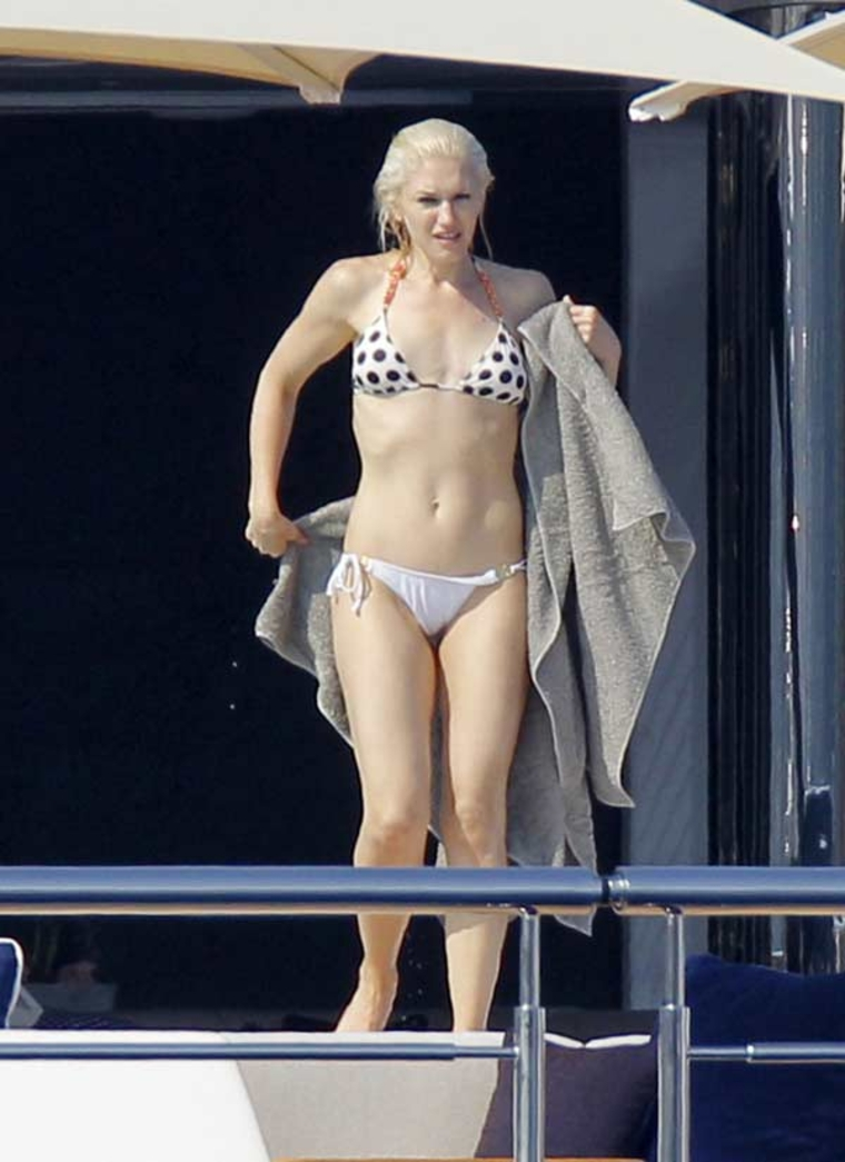 young gwen stefani naked