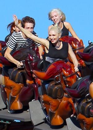Gwen Stefani - Knott's Berry Farm in Buena Park