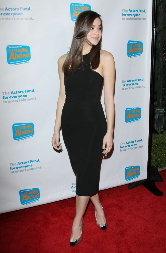 Hailee Steinfeld - 2014 Looking Ahead Awards in LA