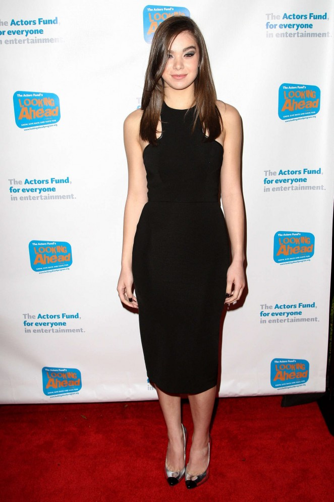 Hailee Steinfeld: 2014 Looking Ahead Awards -20